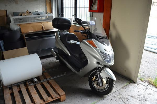 3#3691 Motociclo Yamaha Majesty