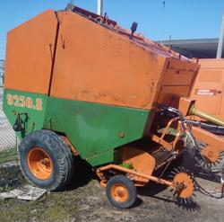 Gallignani Round Baler Maize Bar and Om and Carer Forklifts - Lot  (Auction 3695)