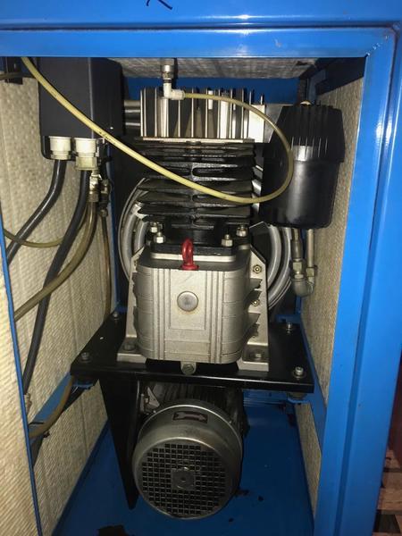 11#3695 Compressore a pistoni Mark B5 SA