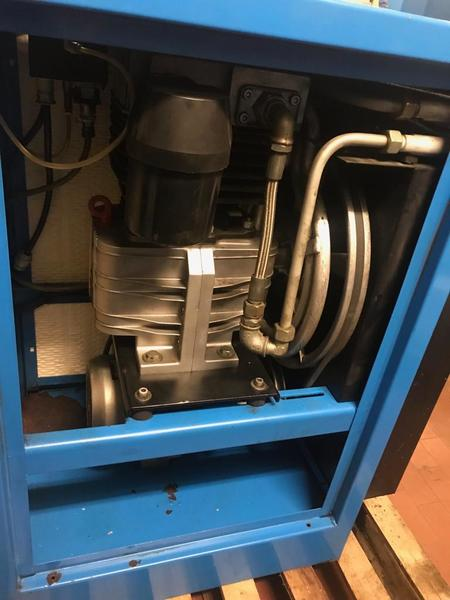 Immagine n. 3 - 11#3695 Compressore a pistoni Mark B5 SA