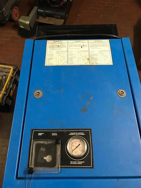 Immagine n. 4 - 11#3695 Compressore a pistoni Mark B5 SA
