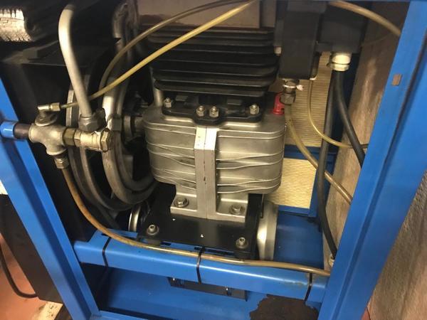 Immagine n. 6 - 11#3695 Compressore a pistoni Mark B5 SA