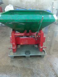 Past   fertilizer spreader 6 quintals  - Lot 13 (Auction 3695)