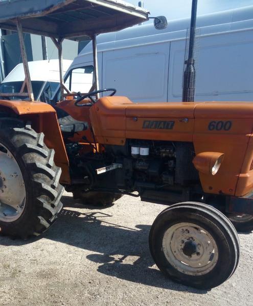 31#3695 Trattore agricolo Fiat 600