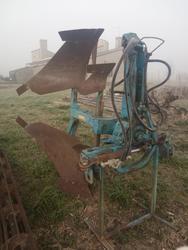 Comas single mower plow - Lot 32 (Auction 3695)