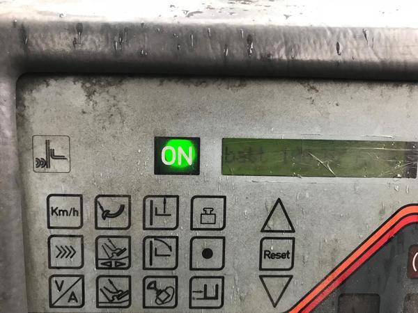 Immagine n. 2 - 9#3695 Carrello elevatore elettrico OM EU25 25 quintali