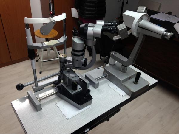 2#3700 Oftalmometro e attrezzature per centro ottico