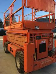 JLG 330 CRT diesel 4x4 vertical pantograph platform - Lot 1 (Auction 3710)
