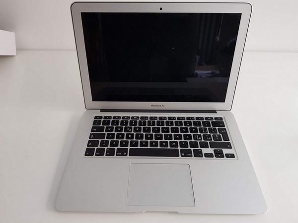 21#3717 Macbook Air