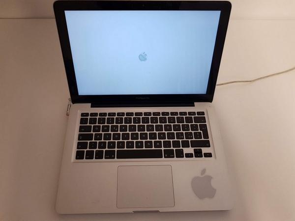 46#3717 Macbook Pro
