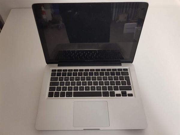 72#3717 Macbook Pro