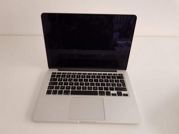 88#3717 Macbook Pro