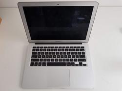 Macbook Air - Lot 89 (Auction 3717)