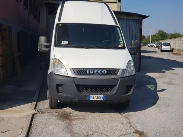 6#3742 Autocarro Iveco 35 E4