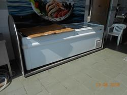 Maxi refrigerated counter and AMB bone saw - Lot 2 (Auction 3753)