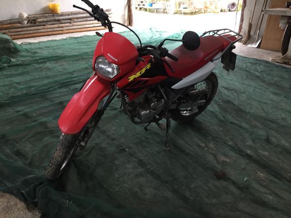 2#3755 Moto Honda XR 125
