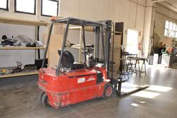 Linde forklift - Lot 40 (Auction 3756)