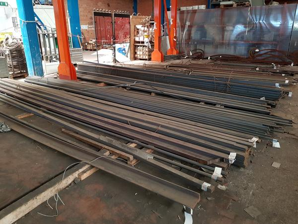3#3765 Profilati di ferro acciaio e alluminio