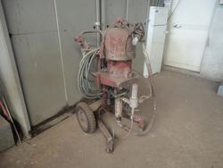 Airless pump and scaffolding - Lot 30 (Auction 3774)