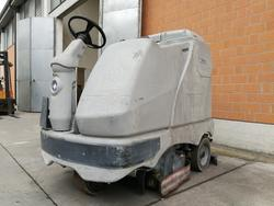 Lavasciuga pavimenti industriali Rcm e Nilfisk - Asta 3778