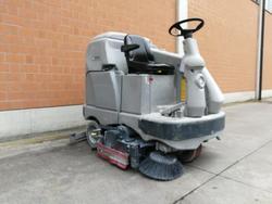 Nilfisk BR 1300S C Industrial Floor Scrubber - Lot 2 (Auction 3778)