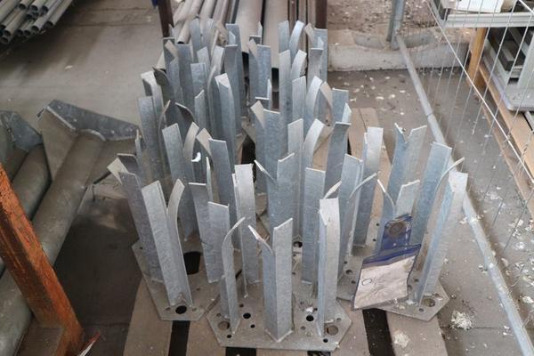 Immagine n. 9 - 1#3793 Trapano radiale HCP e prodotti finiti per pali antenne