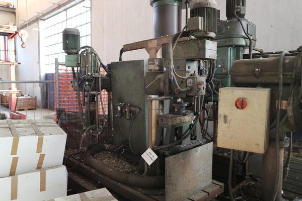 Immagine n. 40 - 1#3793 Trapano radiale HCP e prodotti finiti per pali antenne