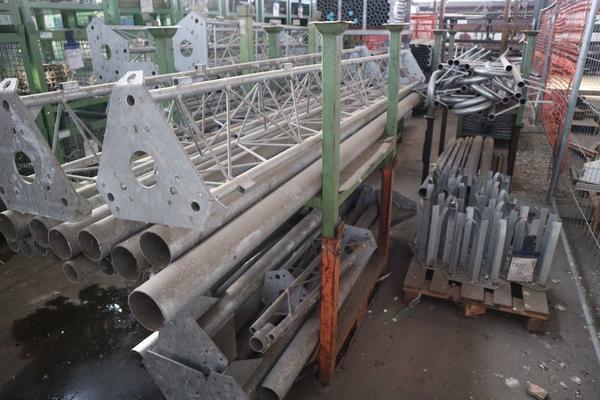 Immagine n. 51 - 1#3793 Trapano radiale HCP e prodotti finiti per pali antenne