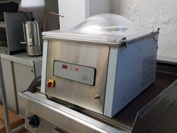 Electrolux vacuum machine - Lot 11 (Auction 3799)