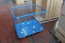 Carrelli e casse in plastica con ruote  - Lotto 15 (Asta 3821)