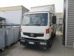 Nissan Atleon truck and Eureka sweeper - Lot  (Auction 3833)