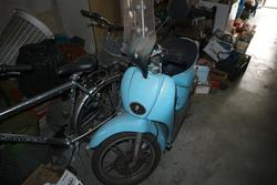Mercedes car and Piaggio Sacrabeo moped - Lot  (Auction 3835)