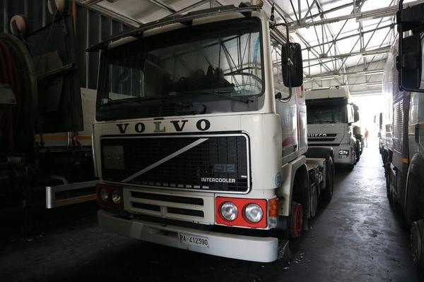 337#3842 Trattore per semirimorchio Volvo