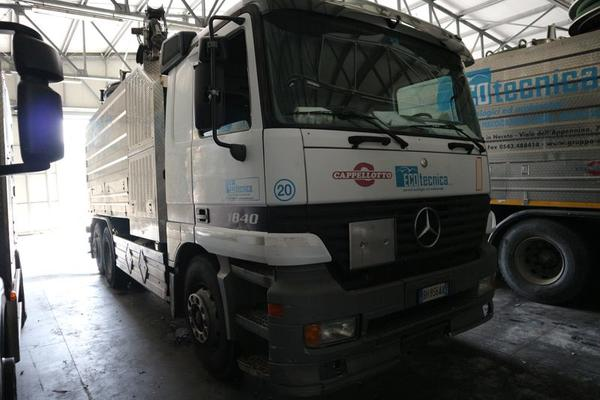 345#3842 Autoveicolo Mercedes Benz