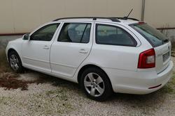 Skoda Octavia vehicle - Lot 350 (Auction 3842)