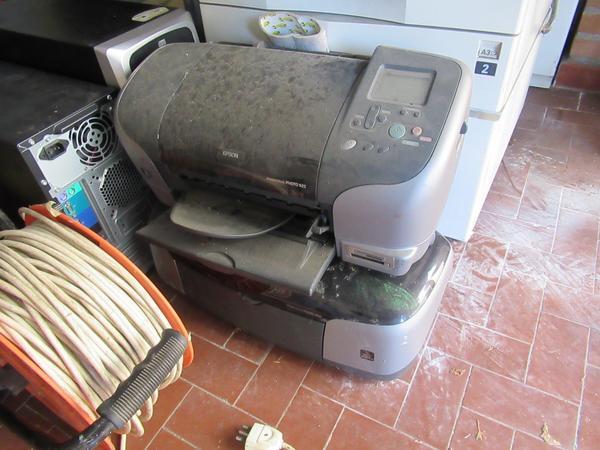 Immagine n. 7 - 2#3845 Arredi e attrezzature elettroniche da ufficio