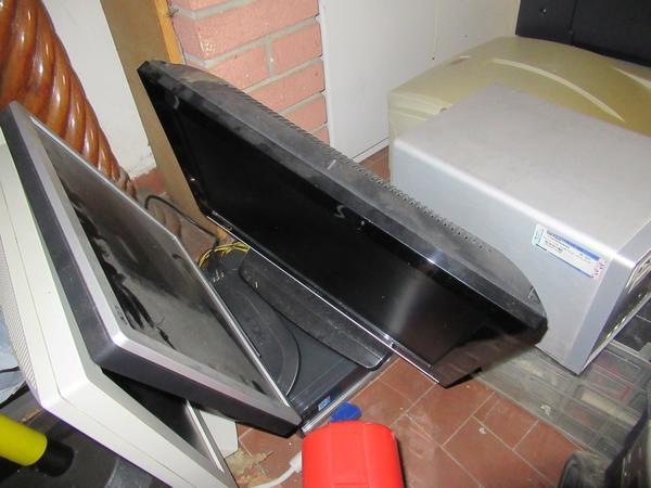 Immagine n. 10 - 2#3845 Arredi e attrezzature elettroniche da ufficio