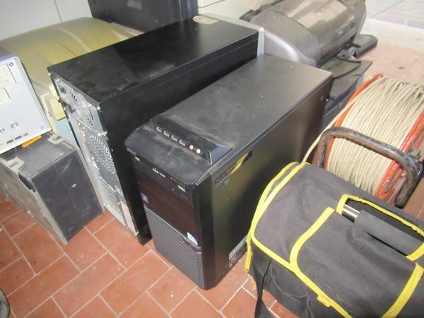 Immagine n. 11 - 2#3845 Arredi e attrezzature elettroniche da ufficio