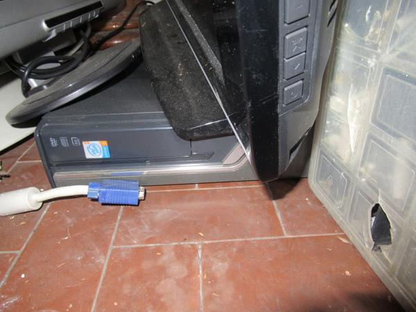 Immagine n. 12 - 2#3845 Arredi e attrezzature elettroniche da ufficio