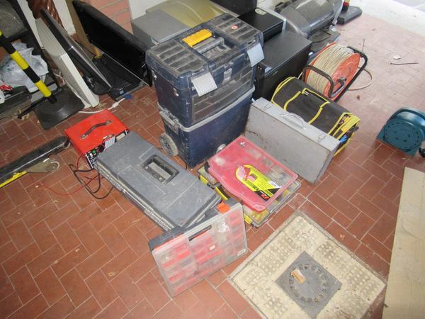 Immagine n. 18 - 2#3845 Arredi e attrezzature elettroniche da ufficio
