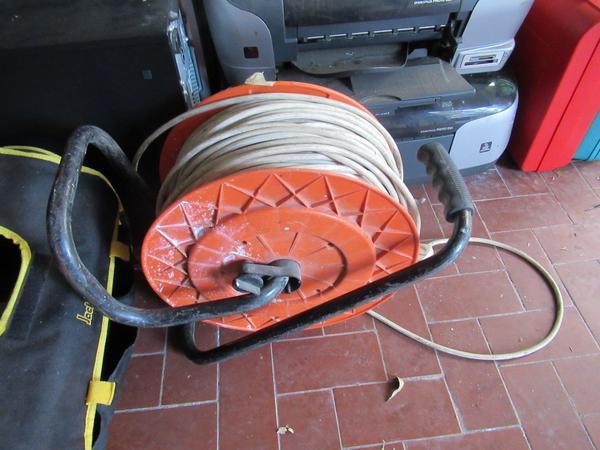 Immagine n. 24 - 2#3845 Arredi e attrezzature elettroniche da ufficio