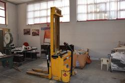 Manual forklift - Lot 12 (Auction 3856)
