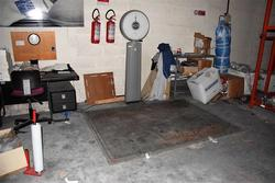 Floor scale and table scale - Lot 68 (Auction 3856)