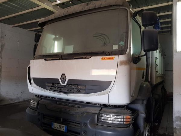 1#3864 Autocarro Renault