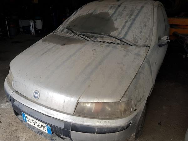 3#3865 Autoveicolo Fiat Punto