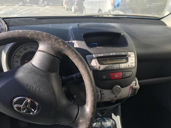 Immagine n. 16 - 1#3868 Autocarro Iveco e automobile Toyota Aygo
