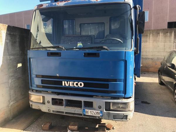 Immagine n. 78 - 1#3868 Autocarro Iveco e automobile Toyota Aygo