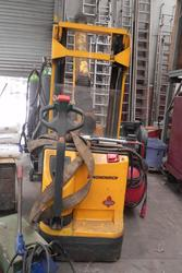 Jungheinrich electric pallet truck - Lot 20 (Auction 3871)