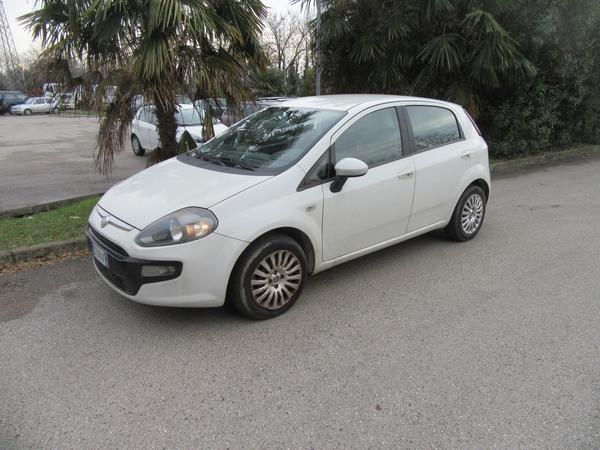 1#3892 Automobile Fiat Punto