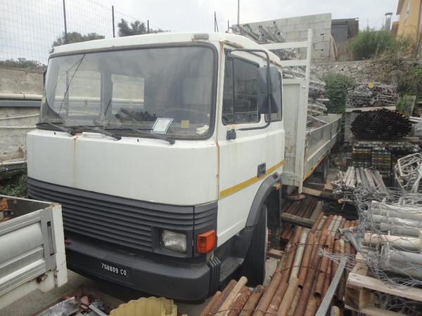 23#3897 Autocarro Iveco
